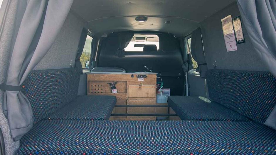 027-4x4-camper-rental-iceland-easy-clever