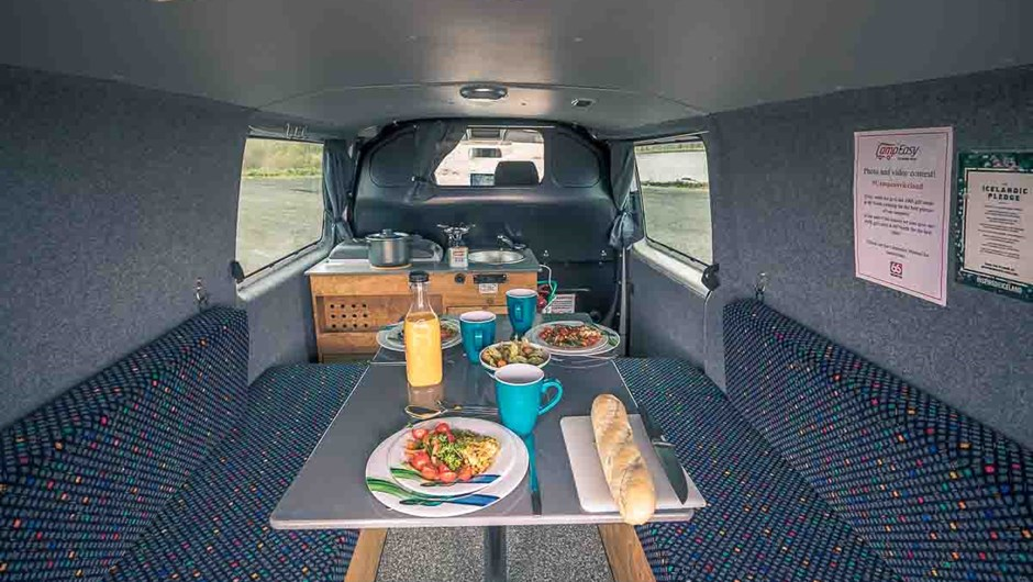 115-easy-clever-4x4-camper-rental-iceland